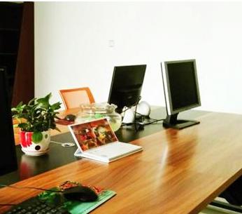 【商务英语综合教程3】商务英语综合辅导:公关办公桌